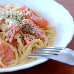 Spaghetti panna e salmone fresco