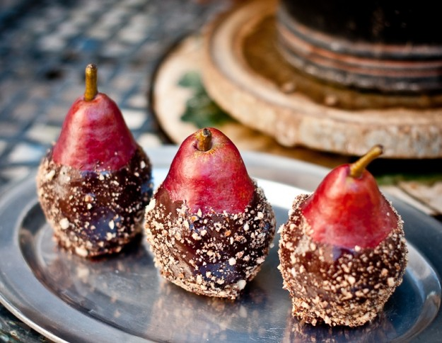 Ricetta pere al cioccolato con noci pecan e spezie