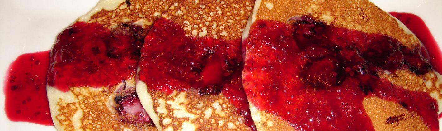 Ricetta pancakes con salsa di lamponi