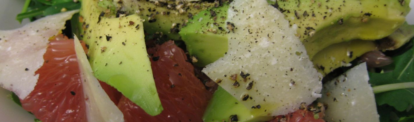 Ricetta insalata di avocado, polpelmo rosa e lime