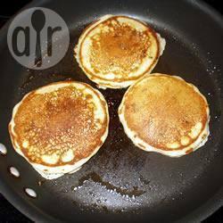 Pancakes americani con mele caramellate