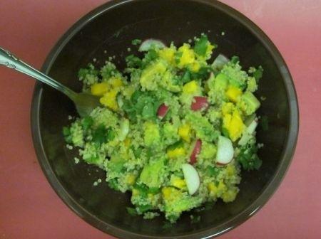 Ricetta insalata di quinoa con avocado e mango