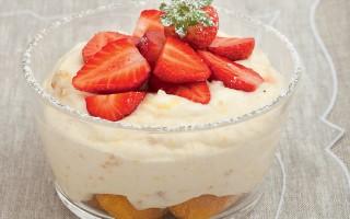 Ricetta crema con savoiardi e fragole