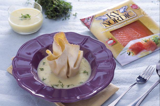 Ricetta fagottino di pasta fresca al salmone, toma e radicchio su ...