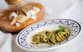 Ricetta linguine al pesto di menta e pistacchi