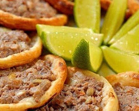 Ricetta lahm biajin (pizzette con carne)