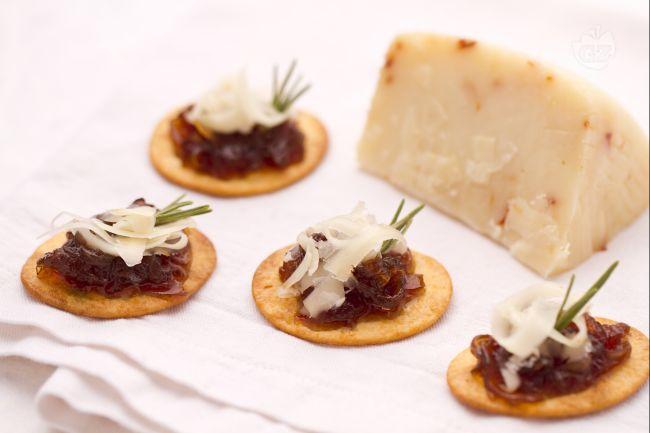 Ricetta spianatine con cipolle e formaggio