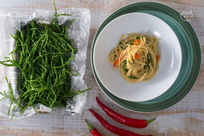 Ricetta spaghetti con asparagi di mare