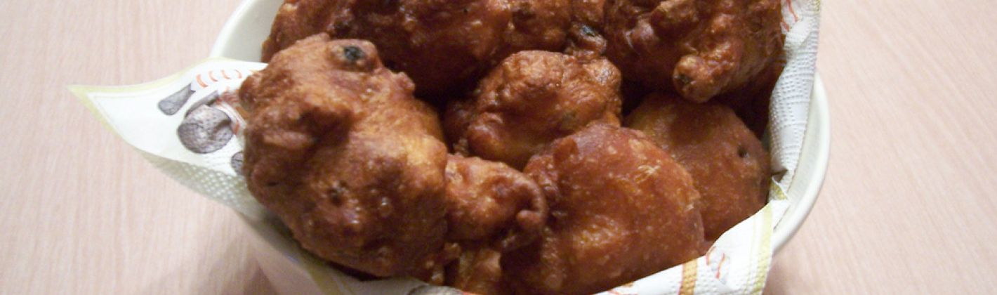 Ricetta frittelle di mele, pistacchi e uvetta