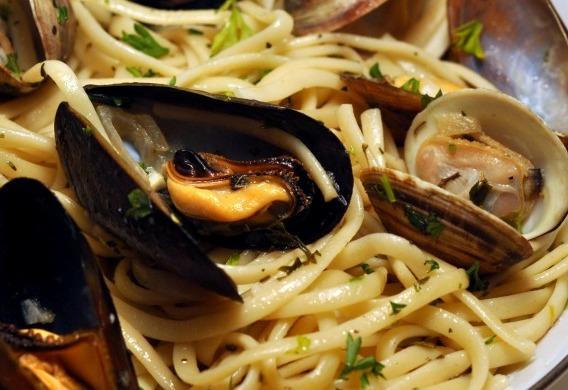 Linguine al sugo di pesce