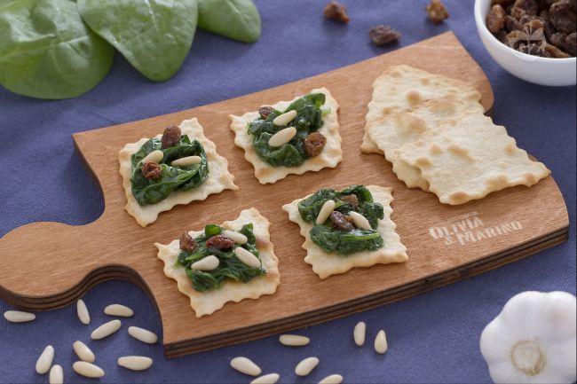 Ricetta sfoglie classiche con spinaci uvetta e pinoli