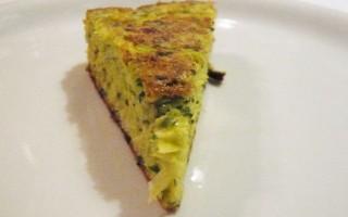 Ricetta frittata di uova di quaglia, porri stufati e spinaci