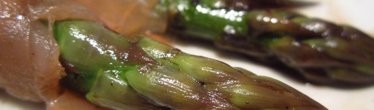 Ricetta salmone affumicato con asparagi