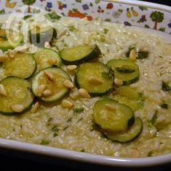 Risotto con le zucchine al profumo di pesto