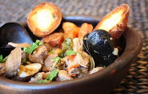 Zuppa di vongole e cozze