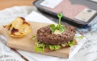 Ricetta hamburger di chianina, pane integrale, germogli e chips ...