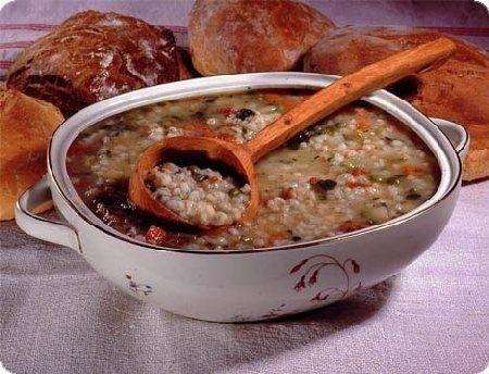 Ricetta zuppa di orzo e speck