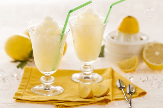 Ricetta granita al limone senza gelatiera