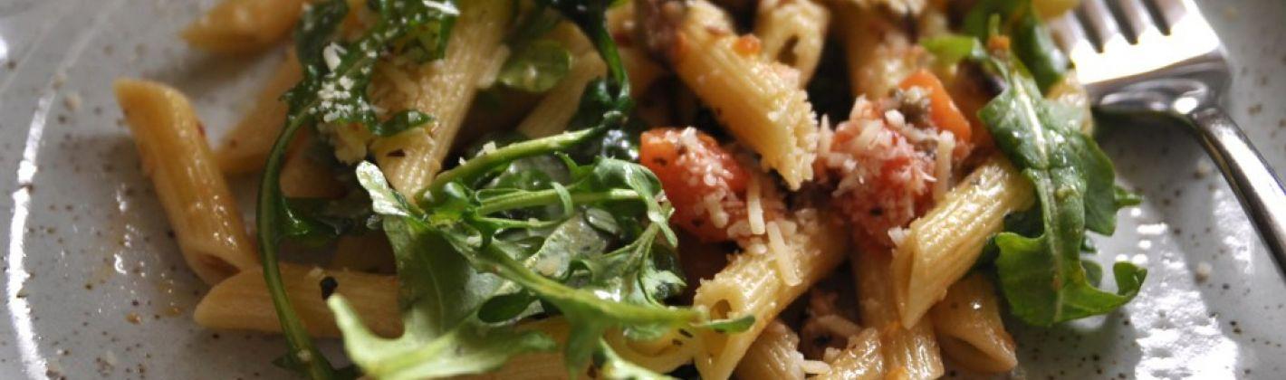 Ricetta pasta con bresaola, rucola e stracchino