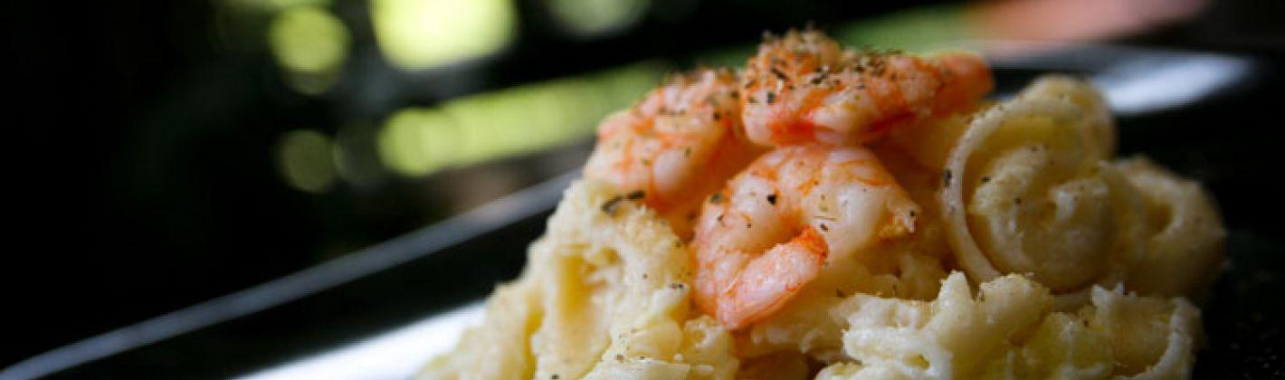 Ricetta insalata di patate, gamberetti e feta