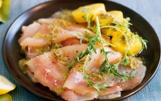 Ricetta carpaccio di pesce spada alla salsa di capperi