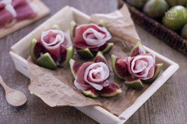 Ricetta roselline di prosciutto crudo su fichi