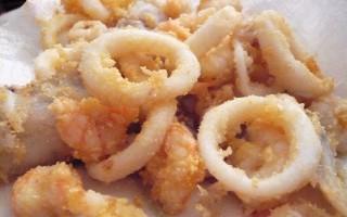 Ricetta fritto di calamari e gamberi in crosta di mais