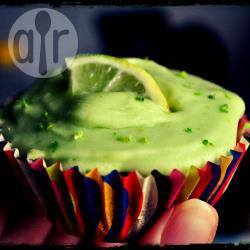 Cupcake vegane con crema all'avocado e lime