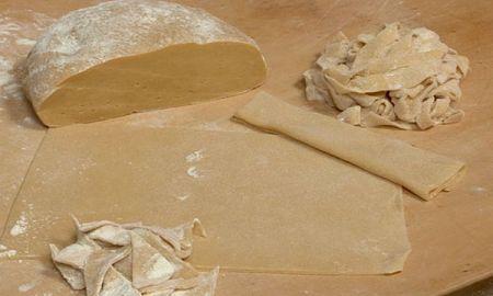 Ricetta tagliatelle con panna, noci e parmigiano