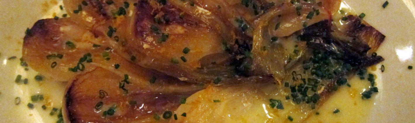 Ricetta cipolle al forno con formaggio e acciughe