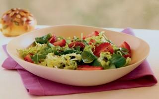 Ricetta fragole in insalata