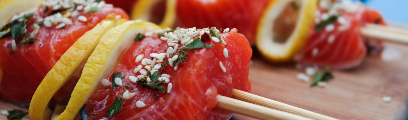 Ricetta spiedini di salmone e pompelmo