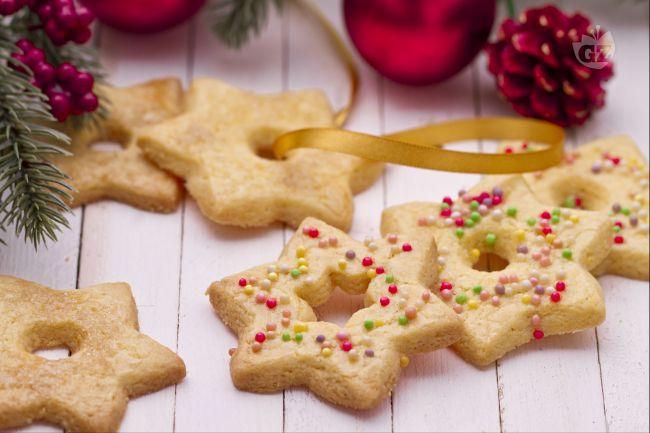 Biscotti Di Natale X Bambini.Ricetta Stelle Biscotti Di Natale La Ricetta Di Giallozafferano