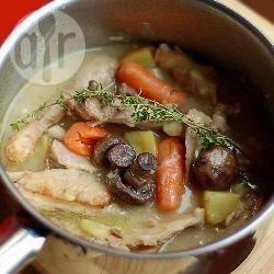 Stufato di pollo e verdure miste