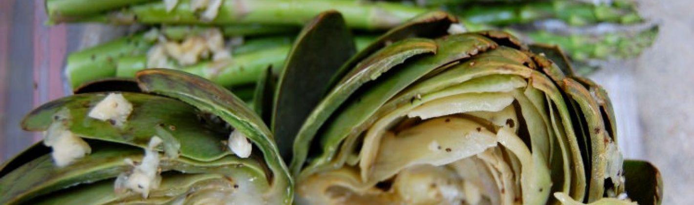 Ricetta pasta con sugo cremoso di carciofi e asparagi