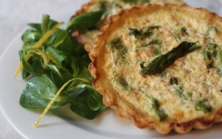 Ricetta quiche di asparagi in crosta di patate