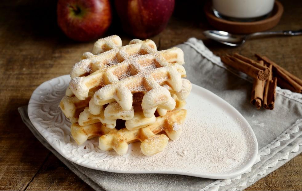 Ricetta waffle con mele e cannella