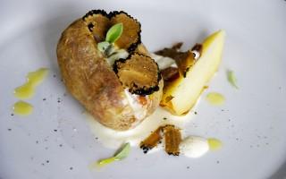 Ricetta patate ripiene di acciughe, panna acida e tartufo