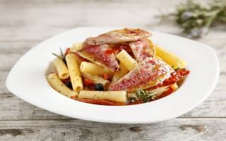 Ricetta pasta con triglie e pomodori secchi