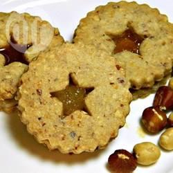 Biscotti con nocciole e marmellata al limone