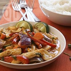 Pollo al curry con verdure e cocco