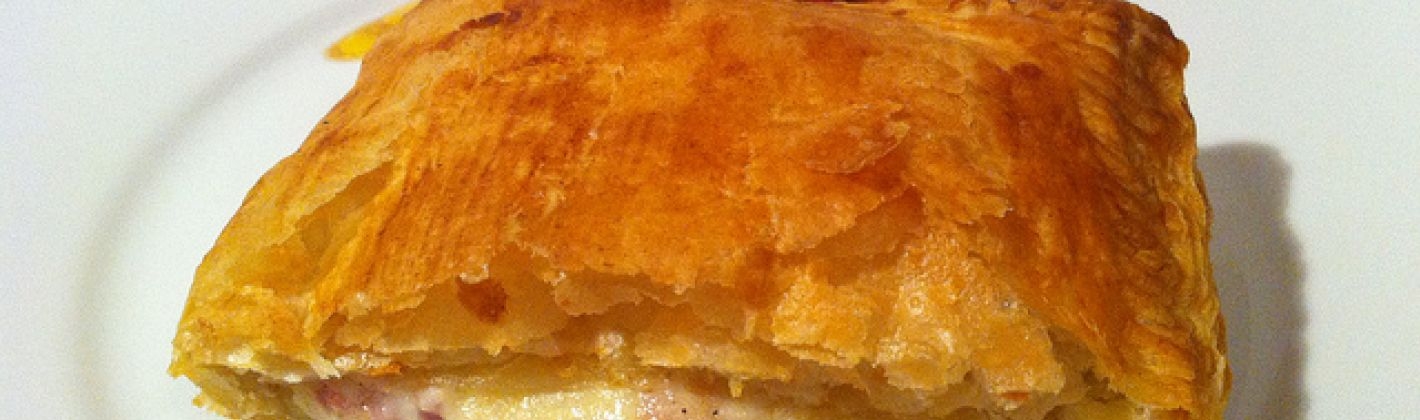 Ricetta sfogliatine ripiene al formaggio e prosciutto