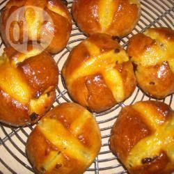 Easter hot cross buns (panini dolci di pasqua)