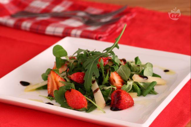Ricetta insalatina con fragole al balsamico