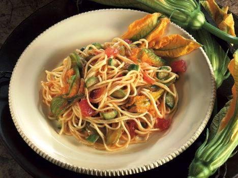 Tagliolini con fior di zucca e zucchine