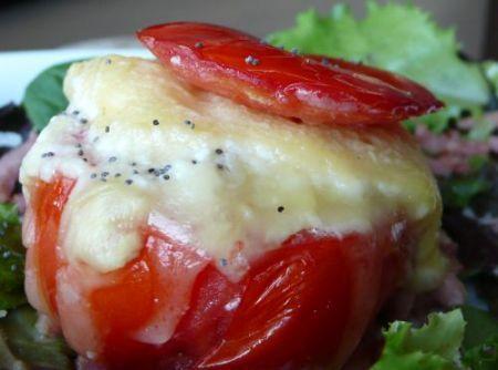 Ricetta pomodori farciti con uova e mozzarella