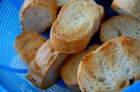Ricetta crostini con verdure e formaggio