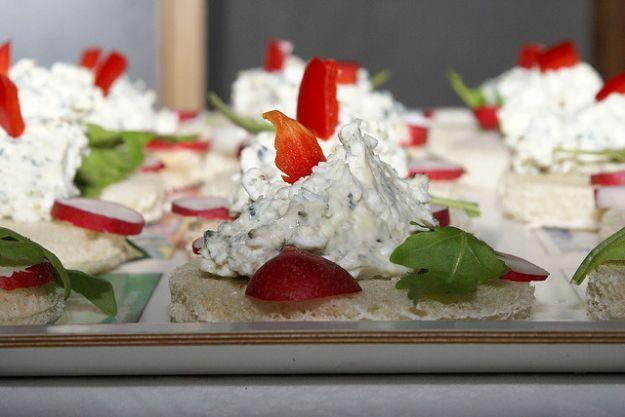 Ricetta tartine tricolori al formaggio