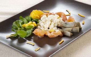 Ricetta insalata salmone, mozzarella e carciofi