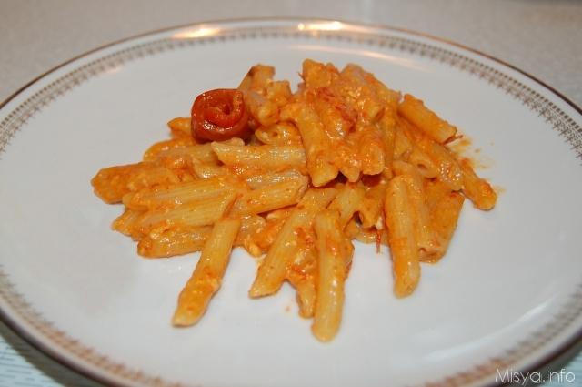 Pennette con salsa di peperoni